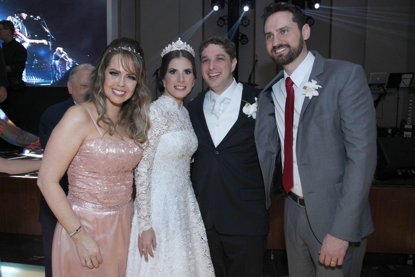 Badalado casamento da atriz Evelyn Montesano