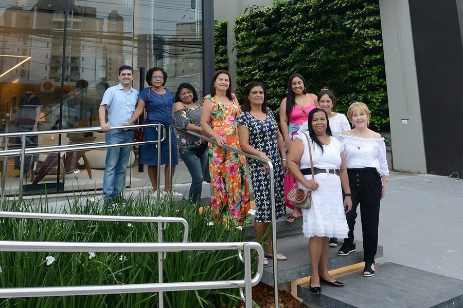 As paneleiras de Goiabeiras foram recebidas por Carmem Dolores em visita a Stampa